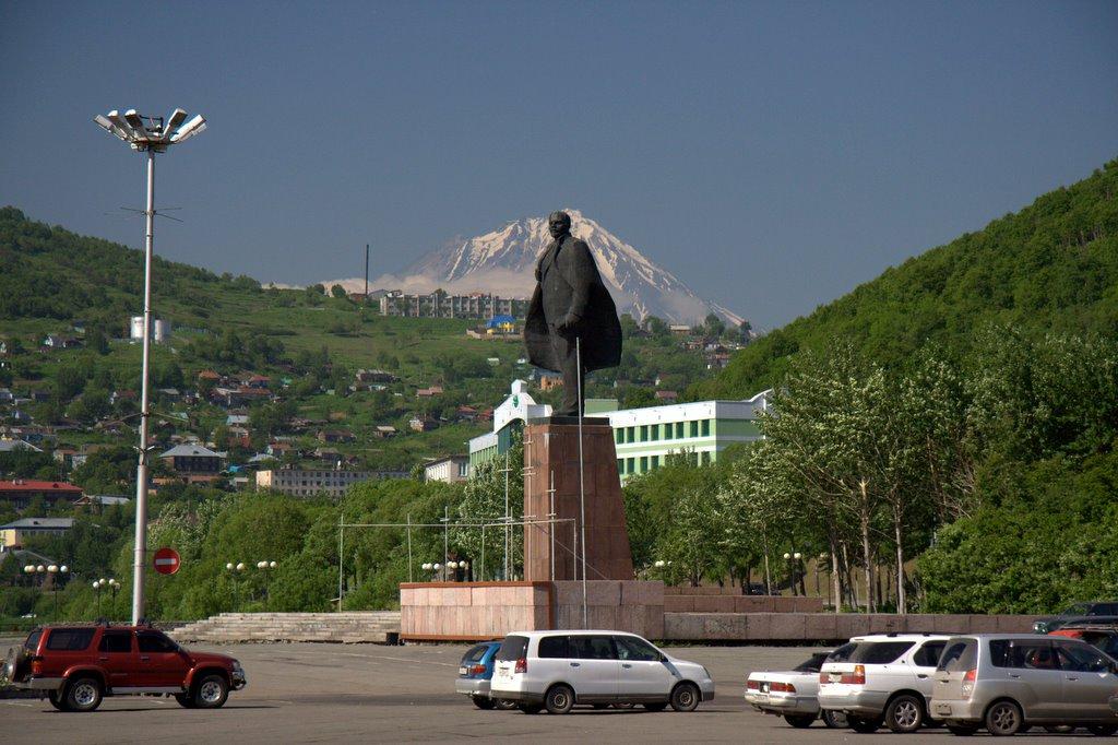 Памятник В. И. Ленину на Театральной площади